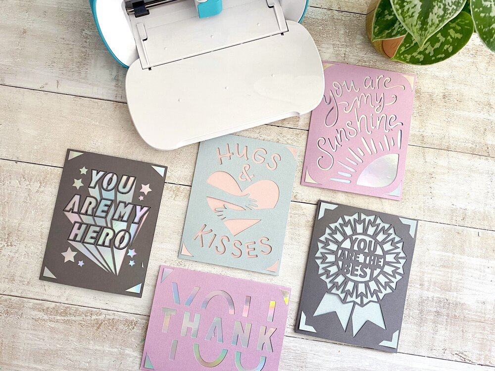 How to make a thank you cards with Cricut Joy card packs and card mat. #cricutjoy #cricutcardmat #cricutcardpacks #thankyoucards #quarantine #cricutquarantine #cricutmaker #cardinsert #youaremyhero #essentialworkers #nurses #doctors #weclapbecausewecare #thankyoucards #greetingcards #diycards #carecards #cardsforlovedones #togetherapart