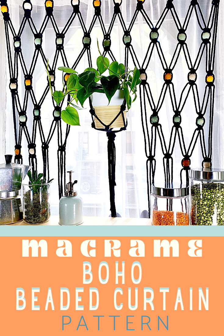 Follow this pattern and learn how to create your own boho macrame beaded hanging curtain! #boho #homemade #curtain #hangingplant #houseplant #retro #vintage #macrame #chill #trendy #woodenbeads #beads #70s #squareknot #larksheadknot #pattern #video #tutorial